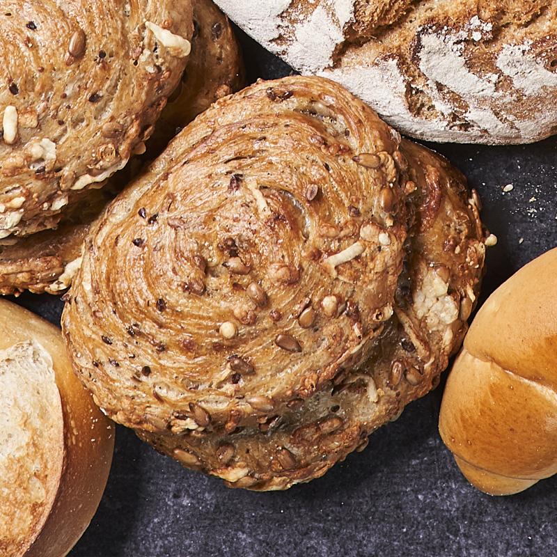 Brötchen: Ofenfrische | Bäckerei Ickert: Dänische Malzbrötchen | Bäckerei Ickert