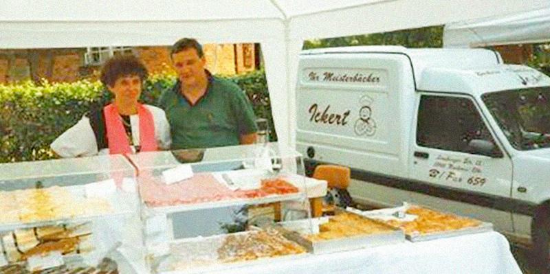 Manfred und Irmgard Ickert, Marktverkauf, ca. 1990
